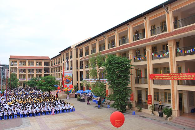 """Trường THCS Nguyễn Du: """"Thủ khoa"""" kì thi vào lớp 10"""