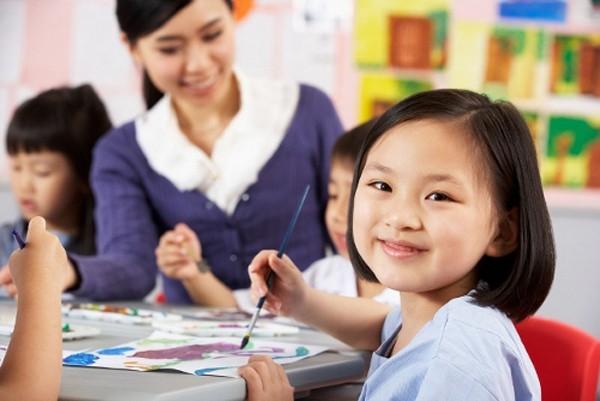 Nên Chọn Gia Sư Tiếng Việt Là Giáo Viên Hay Sinh Viên