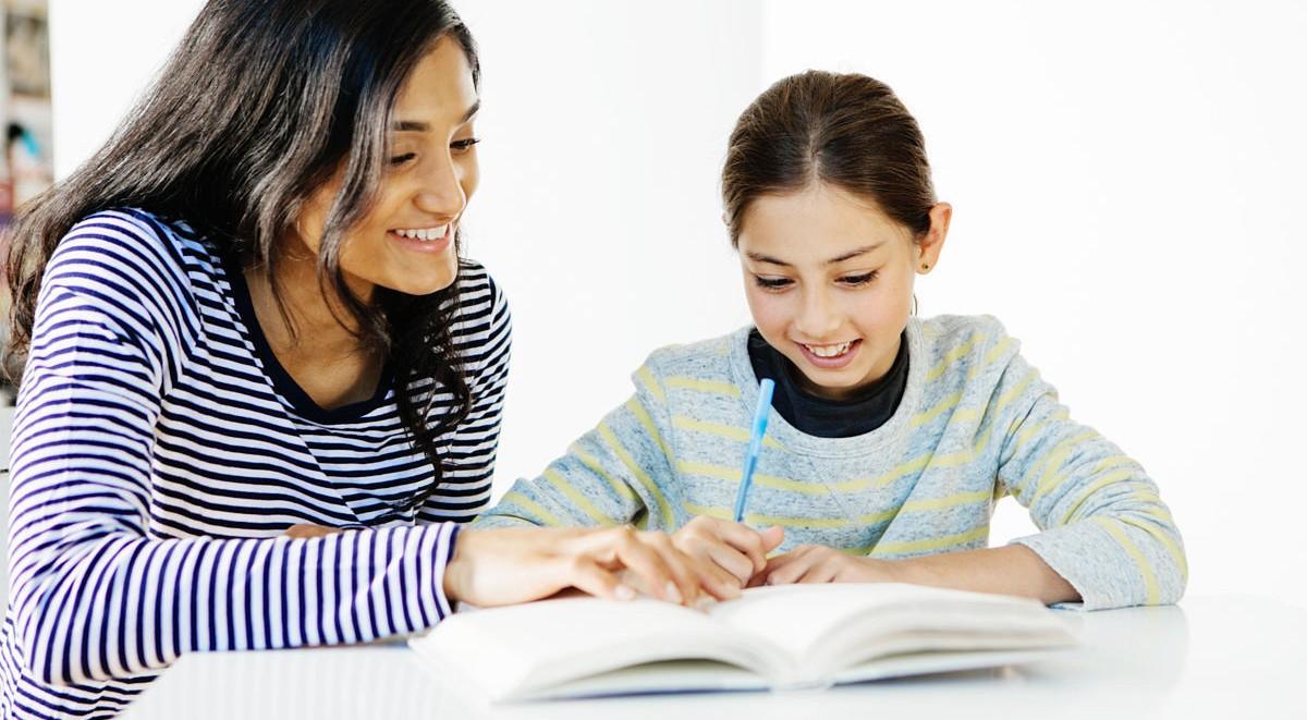 Nên Lựa Chọn Gia Sư Lớp 4 Tại Nhà Là Giáo Viên Hay Sinh Viên?