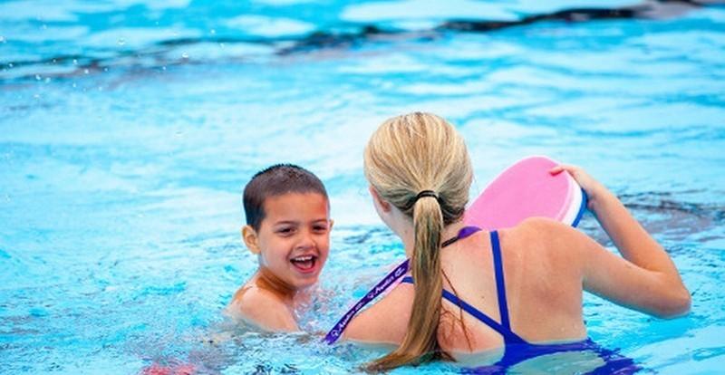 Giáo Viên Dạy Bơi Kèm Riêng Tại Hà Nội ( Dạy Bơi 1 Kèm 1 )