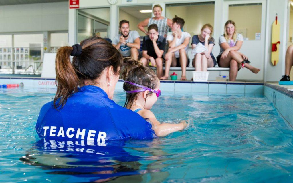 Học Phí Giáo Viên Dạy Bơi Kèm Riêng Năm 2019