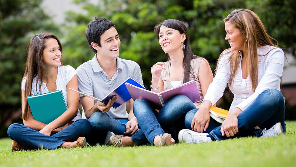 Học theo nhóm là một cách học bài nhanh thuộc