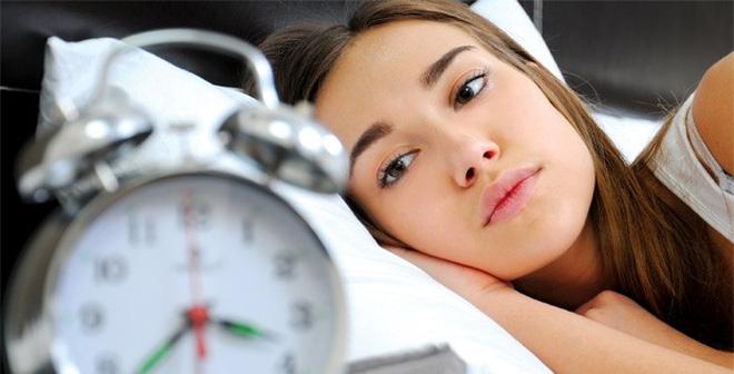 Không nên thức khuya để có cách học thuộc bài nhanh nhất