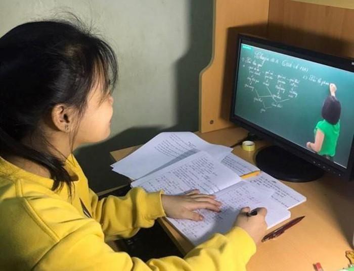 Có cần thiết tìm gia sư online tiểu học cho con?