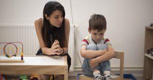 Trẻ Phản ứng Chậm Với Tên Gọi Là Dấu Hiệu Của Bệnh Gì?