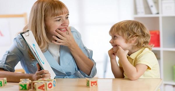 Trẻ Chậm Nói Học Ở Đâu Hà Nội? Có Tốn Kém Không?