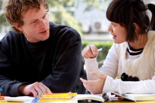 Gia sư dạy tiếng Việt cho người Pháp 1