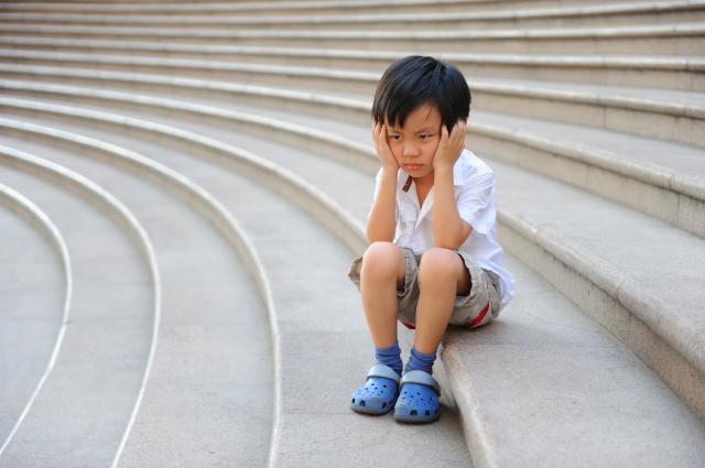 biểu hiện sớm của trẻ tự kỷ 6