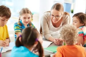 Chào đón năm học mới: Đồng hành cùng các em học sinh đến trường