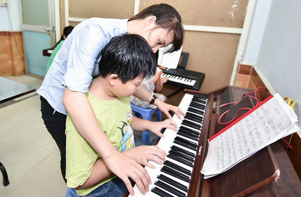 gia sư dạy đàn organ 1.jpg