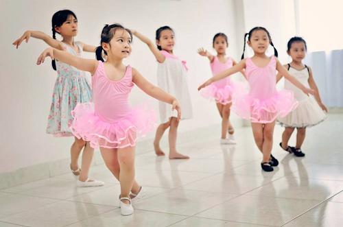 gia sư dạy múa 1