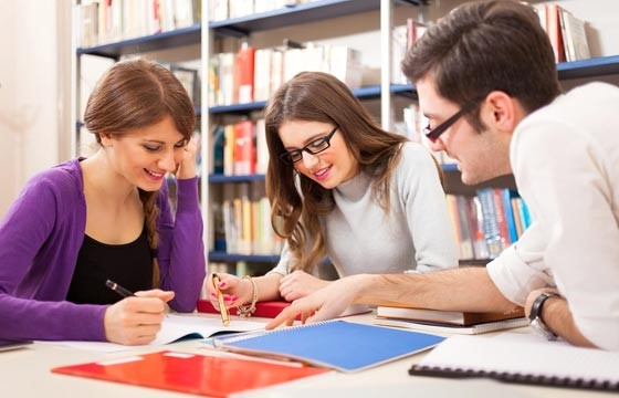 Tìm gia sư tiếng Anh lớp 12 dạy cấp tốc cho con ôn luyện thi ĐH