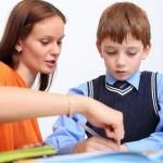 Gia sư cho bé chuẩn bị vào lớp 1 luyện chữ, ghép vần học Toán